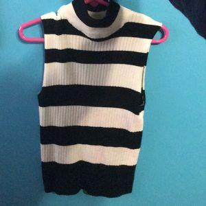Turtleneck no sleeve sweater